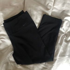 Nike Dri-for Capri Legging